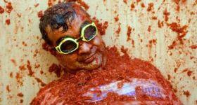 Кровавый томатный фестиваль в Испании