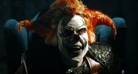 Злой клоун скормил влюбленную пару толпе зомби