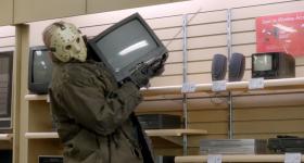 Герои фильмов ужасов разносят магазин