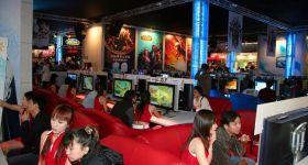 В Китае установлено наблюдение за игровыми интернет-кафе