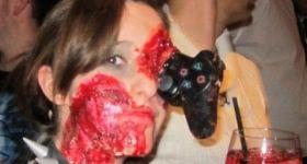 Кровавый макияж геймерши
