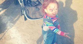 Ребенка нарядили в куклу Чаки