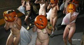 Нудисты на Хэллоуине