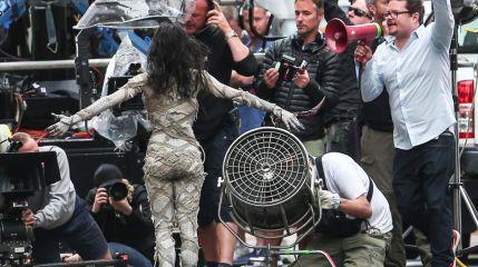 Мумия: София Бутелла пугает жителей Лондона