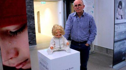 Открылась выставка одежды изнасилованных детей