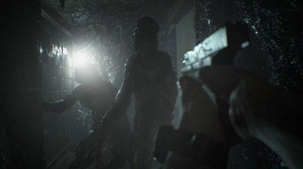 Новый Resident Evil 7 хаотичный и криповый
