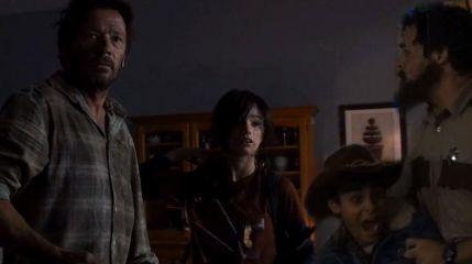 Ходячие мертвецы против Last of Us
